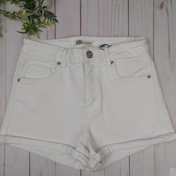 Zara Pants - Zara white shorts